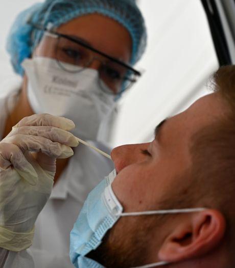 Plus de 7.000 nouveaux cas en 24 heures en France