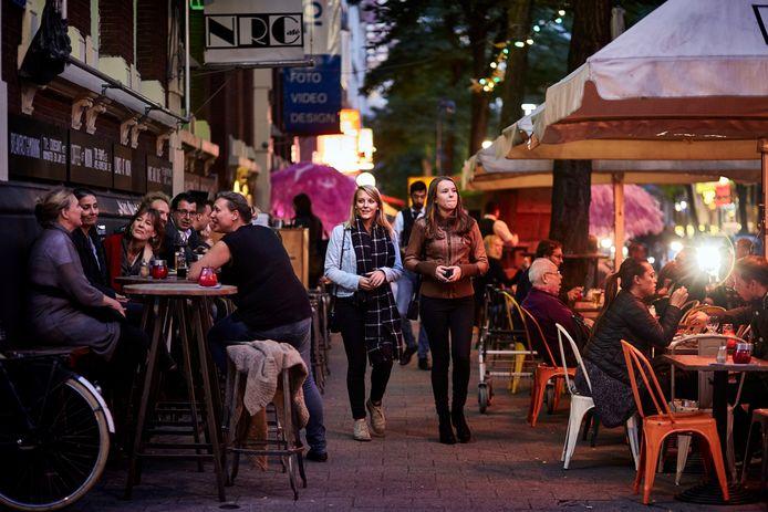 Rotterdam gaat obstakels neerzetten op drukke plekken, zoals de Witte de Withstraat.