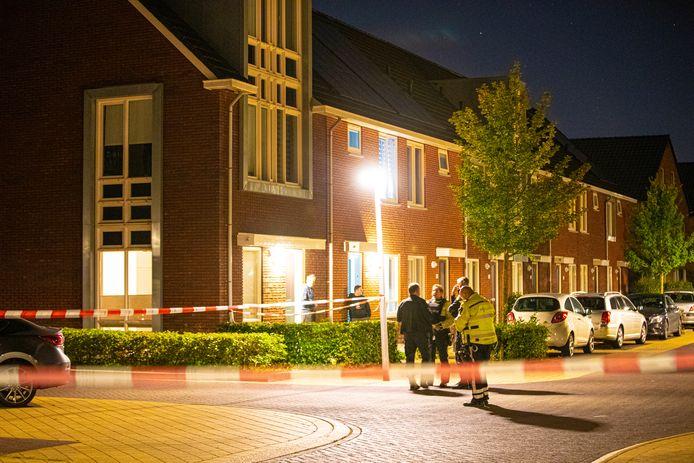 Onderzoek na het schietincident in de Van Disselstraat in de wijk Stadshagen in Zwolle.