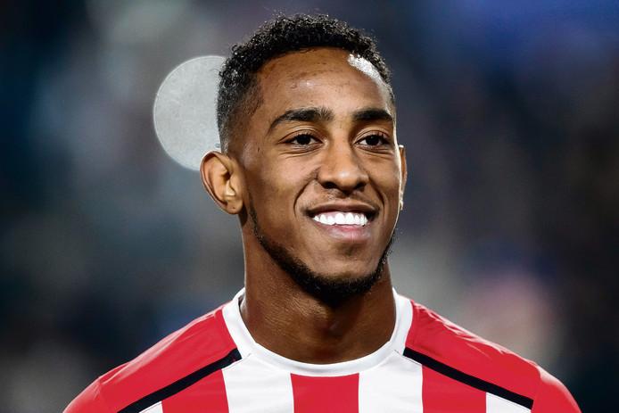 Joshua Brenet wil de basis in bij PSV.