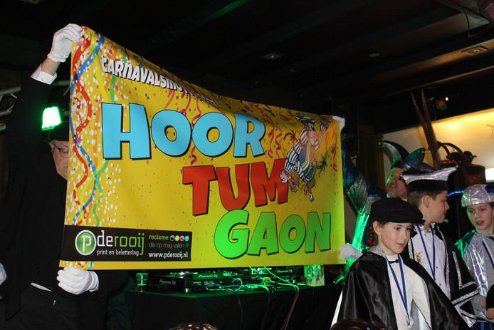 In Nispen is het carnavalsmotto voor 2021 'Hoor tum gaon'