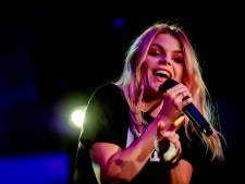 Hitzangeres Davina Michelle kijkt uit naar optreden in haar 'eigen' Kuip