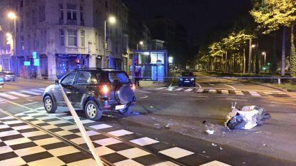 """Scooterrijder kritiek na botsing in Antwerpen: """"Hij reed met hoge snelheid door het rode licht"""""""