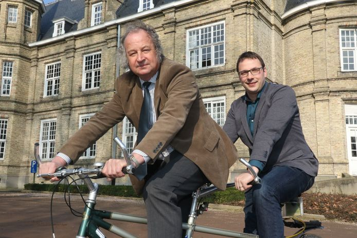 Burgemeester Marc Lewyllie (vooraan), op de tandem met Wieland De Meyer, de eerste schepen die hem in de loop van deze legislatuur opvolgt.