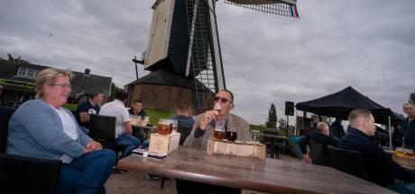 Bier en wieken in Herveld, lalalalalaaah (voor het goede doel)