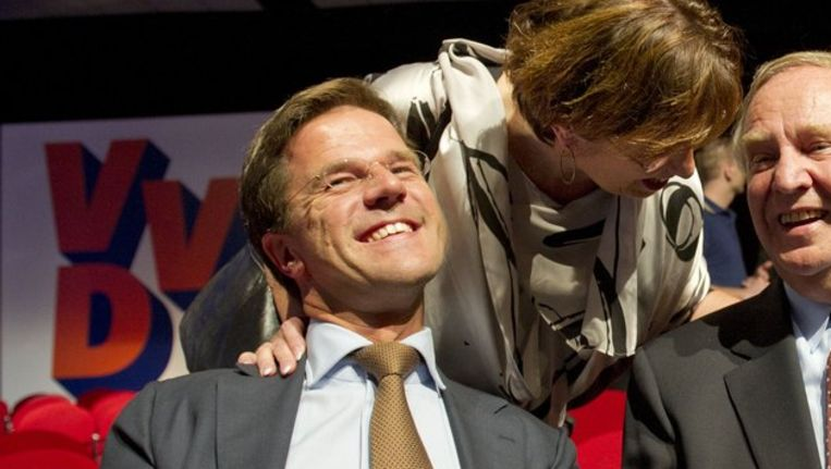 Premier Rutte en Annemarie Jorritsma (voorzitter Vereniging Nederlandse Gemeenten) Beeld null