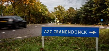 150 stapelbedden in sporthal van azc Budel voor noodopvang asielzoekers