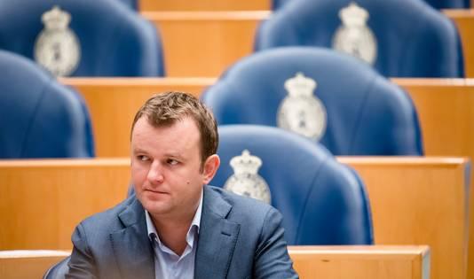 """,,Ik zou me de ogen uit de kop schamen als ik er geld bij zou krijgen terwijl van deelnemers het pensioen al jaren niet is verhoogd"""", zegt SP-Kamerlid Bart van Kent"""