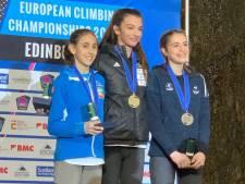Une jeune Française championne d'escalade, âgée de 16 ans, tuée dans une chute