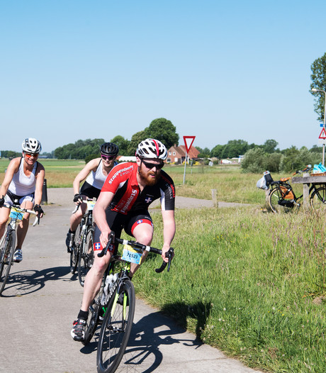 Duizend fietsers leveren topprestatie bij Erben's Vechtdaltoer