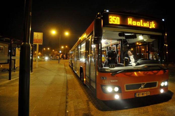 In 2011 ging tussen Tilburg en Waalwijk een Nightliner rijden. Bron Beeld/Werkt