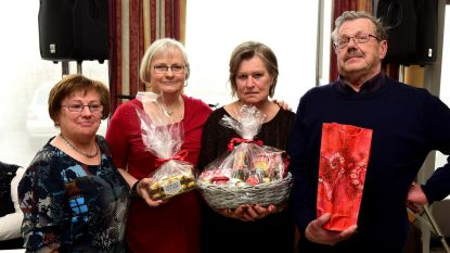 Marie-Jeanne, Ingrid en André kregen een geschenkje