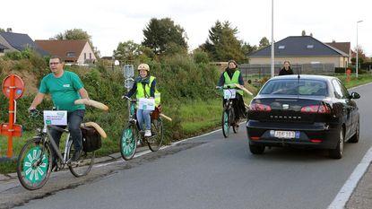 Met de fiets brood halen niet veilig in Veldstraat