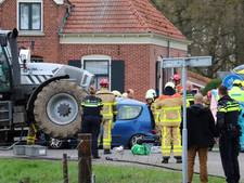 Taakstraf voor ongeluk in Corle waarbij auto onder tractor terechtkwam