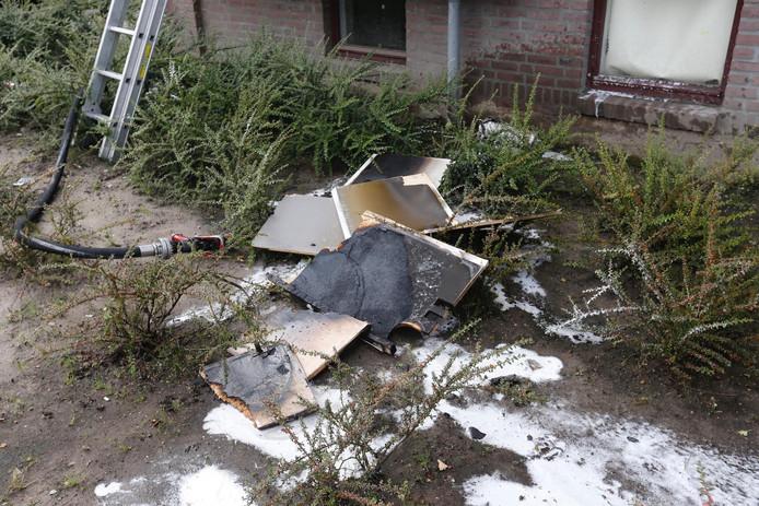 In een flatwoning aan de Offenbachlaan in Eindhoven is brand uitgebroken in de keuken.