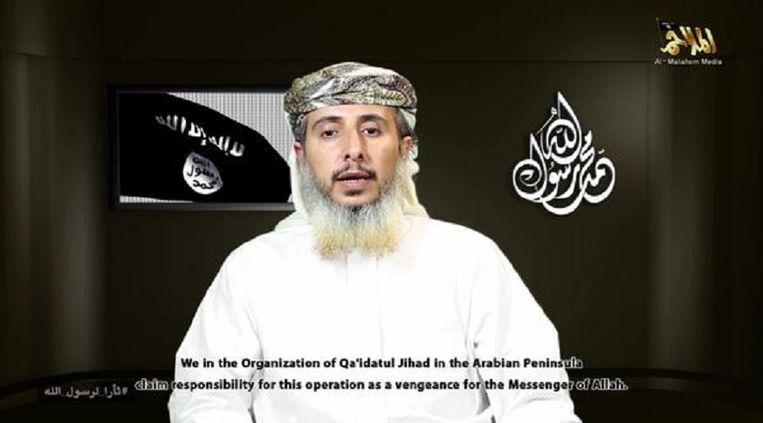 Nasser bin Ali al-Ansi, een van de leiders van Al Qaida op het Arabisch Schiereiland, in de video. Beeld Videostill