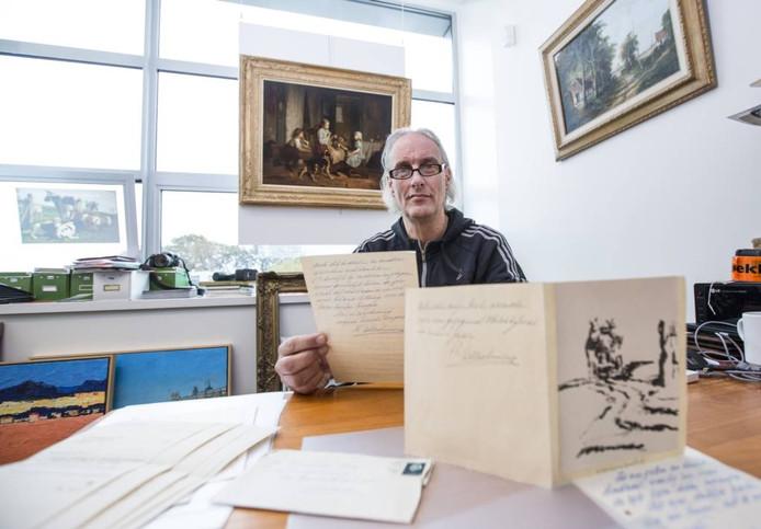 Paul Boemheuvel leest de brief van Wilhelmina