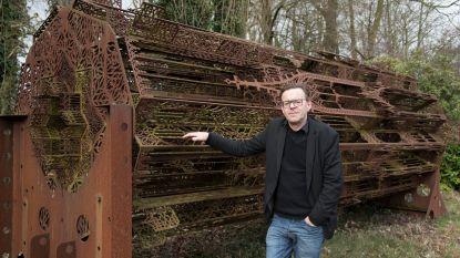 """Kunstenaar Wim Delvoye neemt deel aan wedstrijd om toren Notre-Dame opnieuw op te bouwen: """"Ben al twintig jaar met gotiek bezig, dus ik schat mijn kansen hoog in"""""""