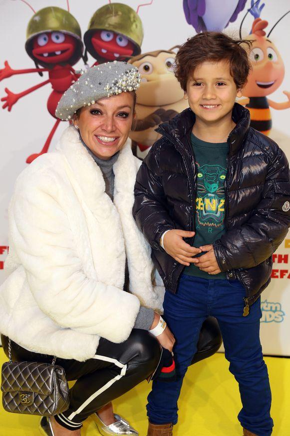 Maximilien, de jongste zoon van Véronique De Kock, was dolblij dat hij naar 'Maya 2' mocht komen kijken.