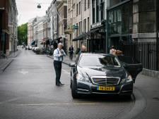 Eén auto voor zeven wethouders, hybride BMW voor Van Zanen