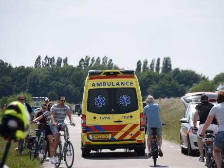 Wielrenner gewond na aanrijding met agent in Zevenhuizen