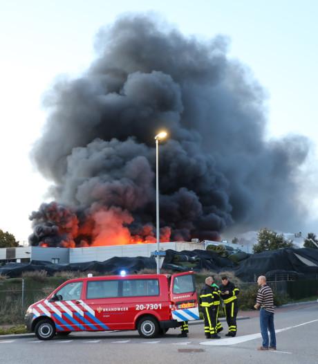 Politie stelt onderzoek in naar brand Tuf Recycling Dongen