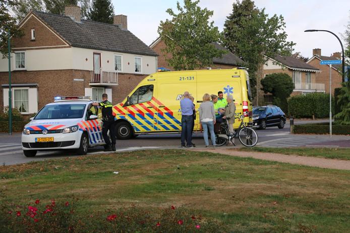 De gevallen vrouw is door ambulancepersoneel nagekeken. Ze hoefde niet mee naar het ziekenhuis.