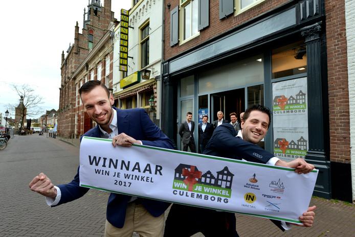 Culemborg Winnaars van win een winkel in de binnenstad van Culemborg: Bryan Klunder (links) en Michel Rietveld.