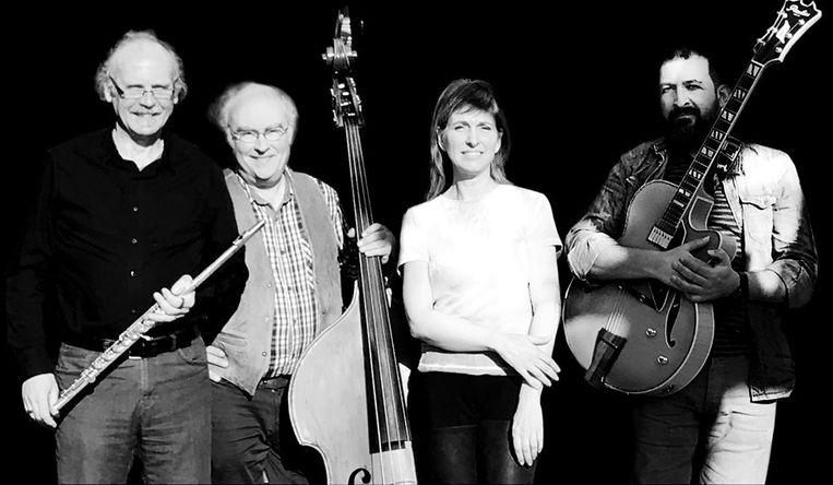 Amarelo bestaat uit (vlnr.) Jan Frederickx, contrabassist Dirk van Gorp, Katrin Serneels en Joannis Sgouros.