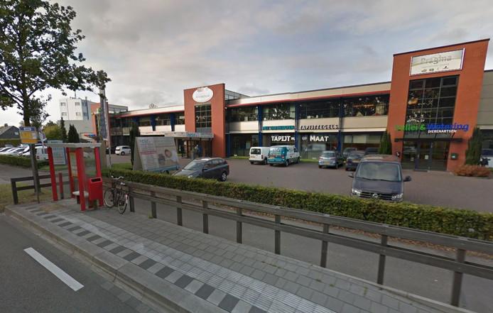 De bushalte bij het Wooncentrum Renswoude aan de Utrechtseweg, waar de jongen werd belaagd.