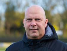 DHC-trainer Rob de Lange vindt zo trainen niets: 'Als dit nog langer duurt zijn alle spelers er klaar mee'