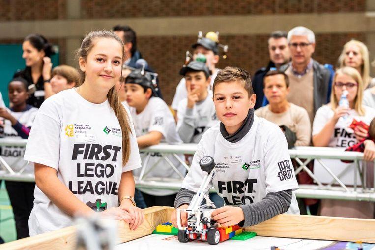 De FIRST LEGO League verdubbelt dit jaar haar aantal teams en deelnemers. In totaal zullen er 100 teams, goed voor 1.400 jongeren, aan een LEGO-robot sleutelen.