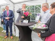 Dahlia-koning Frans Sturm uit Heinkenszand benoemd tot Heer van Borsele