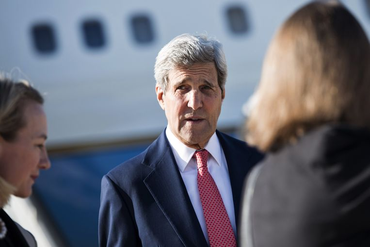 De Amerikaanse minister van Buitenlandse Zaken John Kerry arriveerde vandaag op de luchthaven in Amman. Beeld reuters