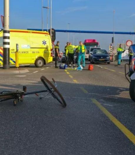 Vrouw die geschept werd door 21-jarige automobilist op Waalbrug is niet meer boos: 'maar de volgende keer haal je diep adem'
