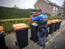 Mondkapjes en luiers: in Oldenzaal verdwijnen ze tussen het plastic afval