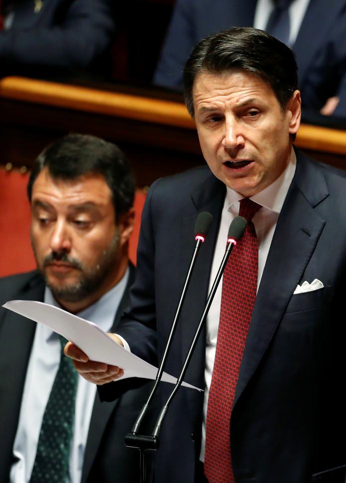 Premier Giuseppe Conte tijdens de aankondiging van zijn ontslag, vanmiddag in de Italiaanse Senaat.