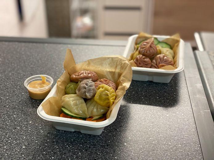 Dumplings in allerlei kleuren bij Rabot Dumpling House.