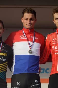 Mathieu van der Poel in Rucphen onbedreigd naar zesde nationale titel