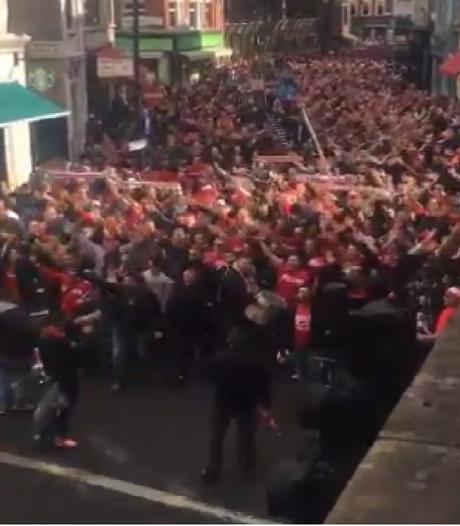 Supporters 1. FC Köln nemen Londen over