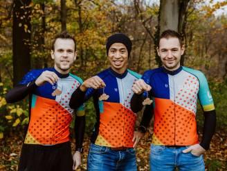 """DURF Vélo gaat nieuwe challenge aan: """"Voor elke verkochte sleutelhanger van 'Boven De Wolken' fietsen wij 1 kilometer"""""""