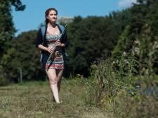 Snikhete wandelingen bundelt Vera Hofman in een podcast: 'Maak de wereld mooier'