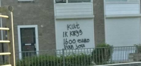 Schuldeiser laat duidelijke boodschap achter op Tilburgs rolluik