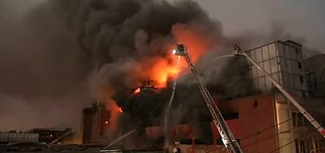 Enorme brand bij bedrijfspand Lima
