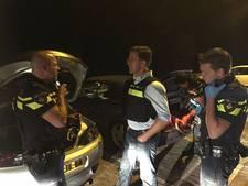 Mark Rutte in politiehesje: een avondje meelopen in Rotterdam