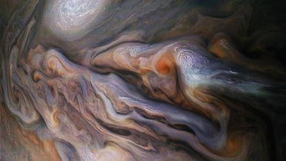 Stormen op Jupiter lijken wel kunstwerk