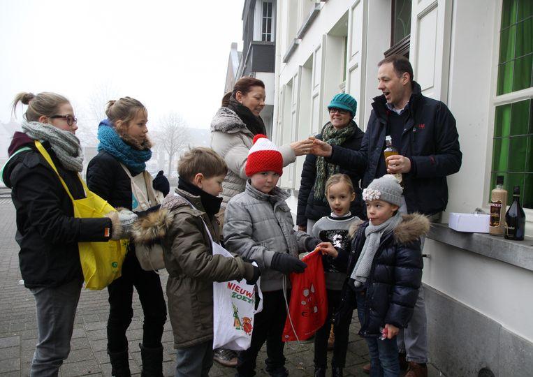 Deze kinderen in Meerhout krijgen snoepjes en ouders krijgen een borreltje.