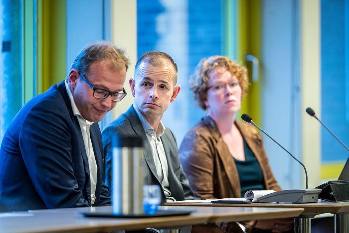Mark Boumans (burgemeester van Doetinchem, links) en Jorik Huizinga (wethouder van Doetinchem, midden)