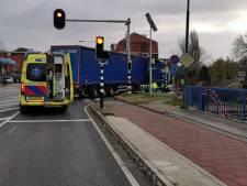 Fietsster (66) aangereden door afslaande vrachtwagen in Rhenen, inwoners roepen op tot maatregelen