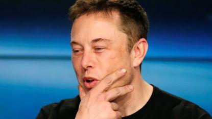 """Elon Musk vindt de """"droge vragen"""" van analisten """"niet cool"""": koers in één klap twee miljard dollar lager"""